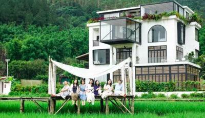Șapte prietene au cumpărat o casă de vis, în care planifică să locuiască împreună la bătrânețe