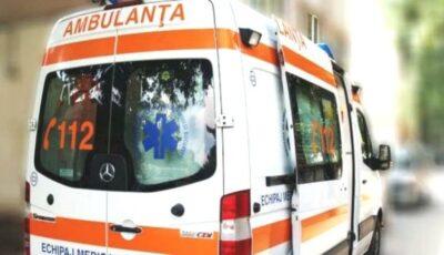 O fetiță de 5 ani a ajuns la spital, după ce și-a prins mâna în scurgerea unei piscine