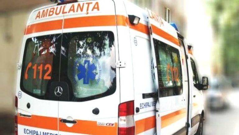 Foto: O fetiță de 5 ani a ajuns la spital, după ce și-a prins mâna în scurgerea unei piscine