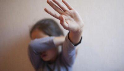 O fetiță de 12 ani, din Dubăsari, a fost abuzată sexual de iubitul mamei