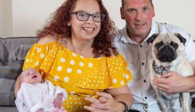 O femeie internată cu dureri insuportabile credea că are apendicită, dar a născut un copil