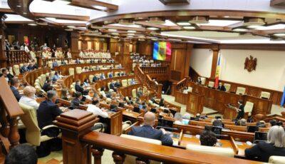 Au fost constituite fracțiunile parlamentare