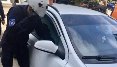 Un copil de 2 ani, din Bălți, salvat de pompieri după ce a rămas blocat în mașina părinților