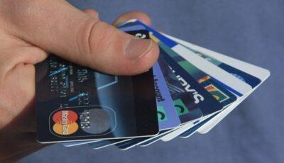Poliția avertizează despre o nouă schemă prin care pot fi golite cardurile bancare