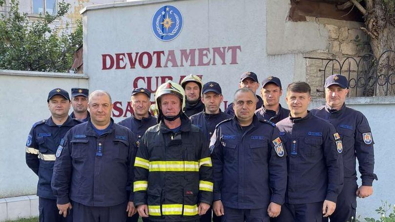 Foto: Un pompier moldovean a fost trecut în rezervă într-un mod inedit