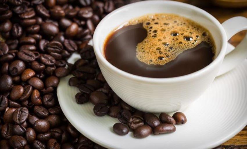 """Foto: Medic: ,,Nu beți niciodată cafeaua imediat ce vă treziți!"""""""