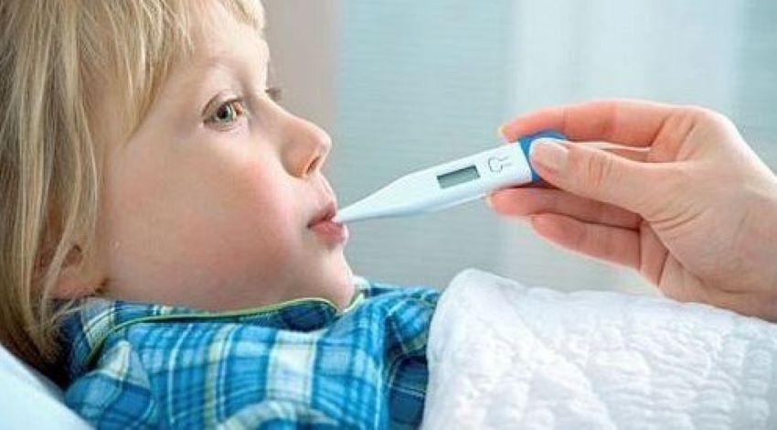 Foto: Un medic pediatru explică simptomele Covid-19 în cazul copiilor. Cele trei semne care ar trebui să îi îngrijoreze pe părinți