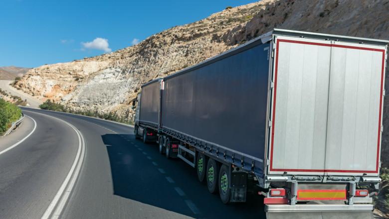 Foto: Germania şi Marea Britanie caută zeci de mii de șoferi de TIR. Un român a povestit de ce nu mai vor tinerii să facă această meserie