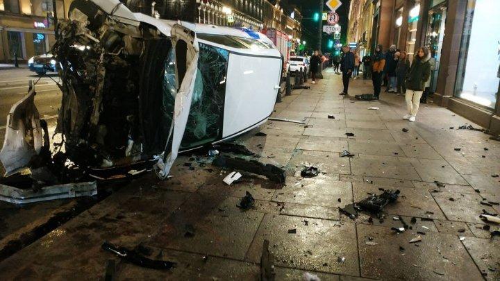 Foto: Accident groaznic în Rusia. Un vitezoman a lovit mai multe persoane pe o zebră
