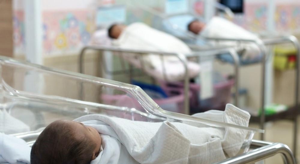 Foto: Un bebeluş plimbat între spitale, a fost găsit abia după şase luni. După naştere, părinţii nu au mai ştiut nimic despre copil