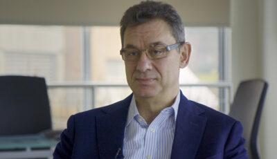 Directorul Pfizer: Lumea va reveni la viaţa normală în decurs de un an. Probabil va fi necesară vaccinarea anuală împotriva Covid-19