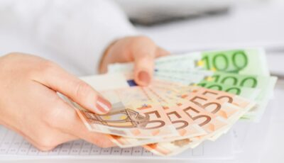 Germania: salariul persoanelor nevaccinate şi plasate în carantină urmează să nu mai fie plătit de către stat, de la 1 noiembrie