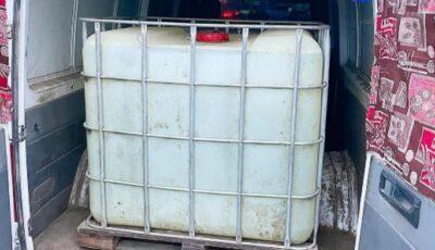 Tone de alcool de aproape 300 000 de lei, depistate într-un vehicul