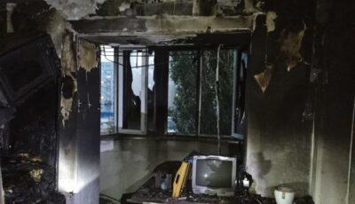 Un apartament din Capitală, mistuit de flăcări. Câteva persoane au fost evacuate