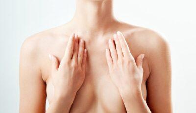 Este normal să ai un sân mai mare? Probleme medicale ce pot influența mărimea sânilor