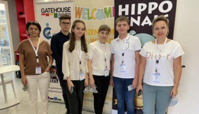 Patru elevi din Moldova au fost medaliaţi la o olimpiadă internațională de limba engleză