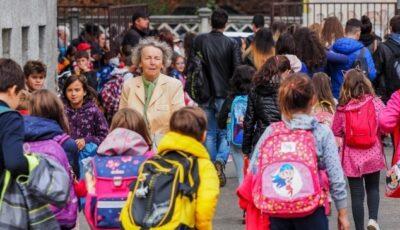 Vacanța de toamnă a elevilor din învățământul primar, gimnazial și liceal va fi mai lungă