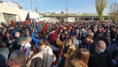 Mai mult de jumătate dintre moldovenii din diaspora s-ar întoarce acasă pentru un salariu minim de 1.200 de euro