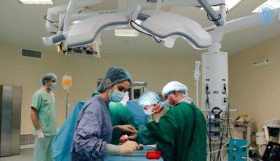 O intervenție chirurgicală complicată a fost realizată cu succes de către medicii moldoveni