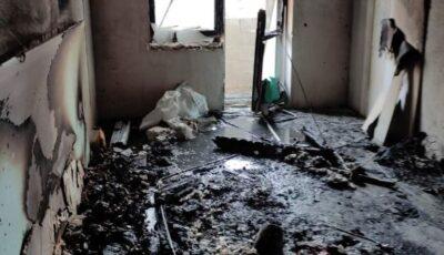 Explozie puternică într-un bloc de locuit din Rezina, urmată de un incendiu