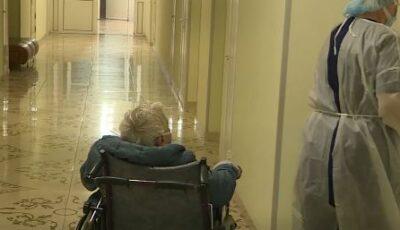 Spitalele din țară, arhipline cu pacienți în stare gravă. Medicii îndeamnă cetățenii să se vaccineze