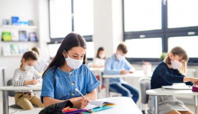 Decizie CNESP: Elevii și studenții care stau în carantină vor fi testați gratuit