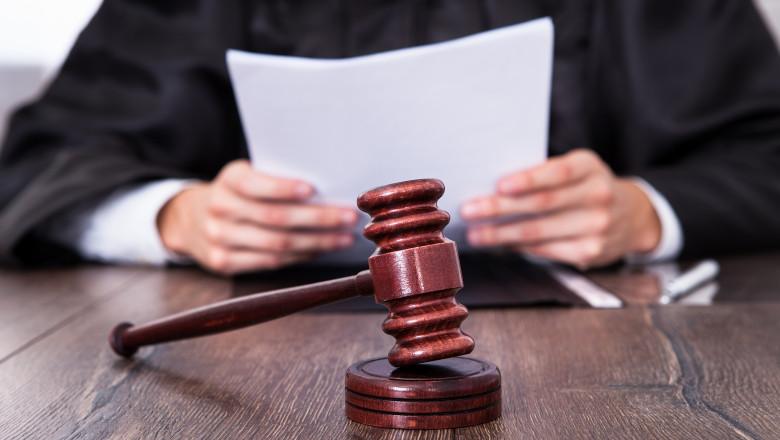 Foto: Judecătorii cer anularea legii prin care le-a fost majorată vârsta de pensionare