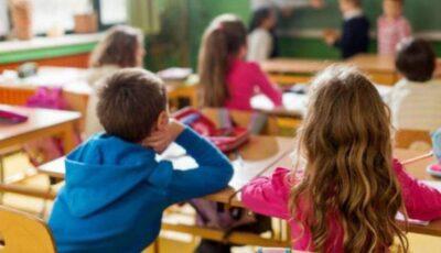 În cazul în care școlile se vor închide, părinții vor putea cere zile libere