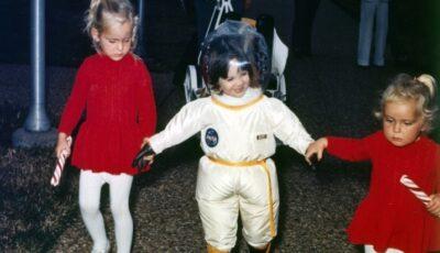 Povestea copilului care a trăit 12 ani într-un balon. Suferea de o boală rară, iar expunerea în lumea exterioară însemna moartea
