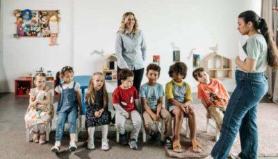 Germania angajează educatoare cu cetățenie română. Salarii de până la 3.900 de euro brut
