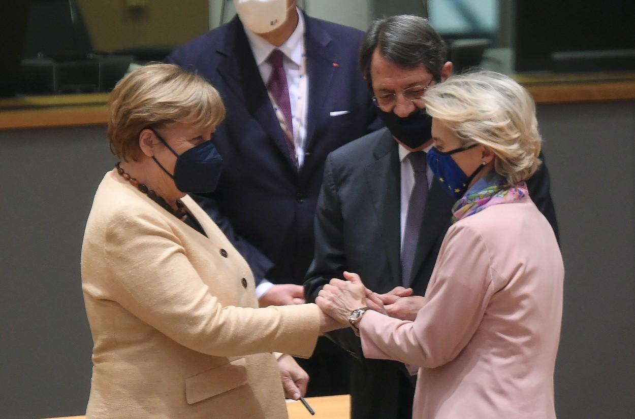 Foto: Oficialii Uniunii Europene şi-au luat rămas bun de la Angela Merkel