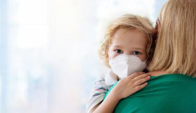 Un medic pediatru dezvăluie simptomele severe ale coronavirusului la copii