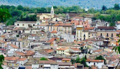 Sute de case scoase la vânzare cu 1 Euro, în apropiere de Roma, Italia