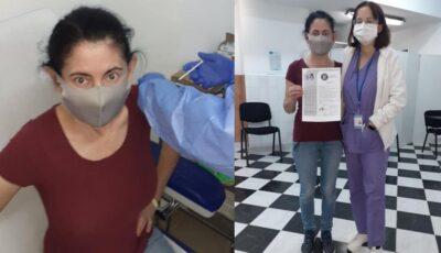 O femeie care a trecut prin 18 șocuri anafilactice și o moarte clinică s-a vaccinat anti-Covid. Cum se simte?