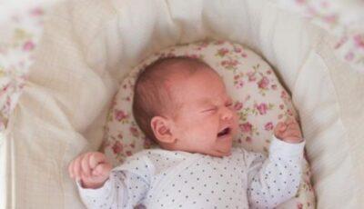 """,,Cry It Out"""", metoda dură folosită de unii părinți în care bebelușul este lăsat să plângă până ce adoarme de unul singur. Nu este recomandată de specialiști"""