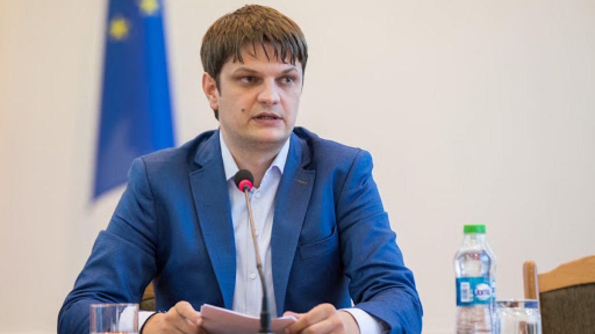 """Foto: Andrei Spînu anunță rezultatele vizitei la Moscova: ,,Republica Moldova nu poate accepta să plătească un preț la gaz mai mare decât toate celelalte state din regiune"""""""