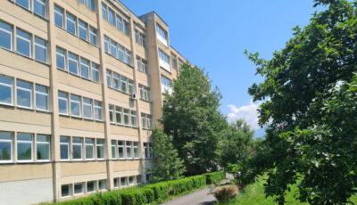 Localnicii unui oraș din România au strâns 90.000 euro și au redeschis spitalul din localitate, închis de 10 ani