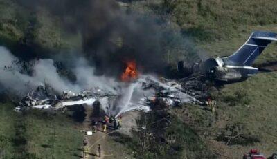 Un avion s-a prăbuşit în SUA. Toţi pasagerii şi echipajul sunt în viaţă