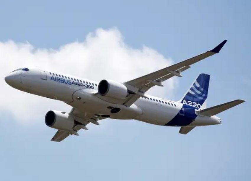 Foto: Un avion a fost nevoit să revină de urgență pe aeroport după ce pe un scaun a fost găsit un bilet. Ce mesaj era scris pe hârtie